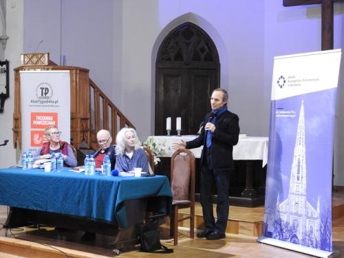 Buddyzm a chrześcijaństwo - spotkanie z M. Gretkowską, S. Obirkiem i A. Szostkiewiczem - 22-11-2019-10